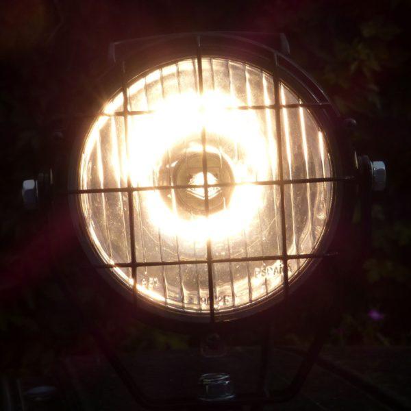 Scheinwerfer_H3_160mm_KFZ_Magnetfuss_Licht