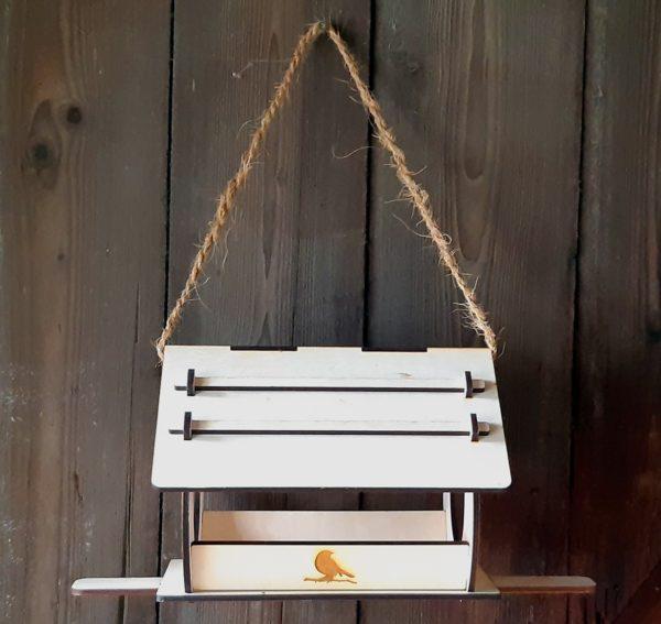Vogelhaus Holz Natur rund Winter Vögel aufgehangen